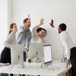 Entretenir de bonnes relations, écoute active, amitié, collègues de travail